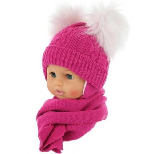 BABY NELLYS Zimní čepička s šálou - chlupáčkové bambulky - malinová, 0/4měsíců