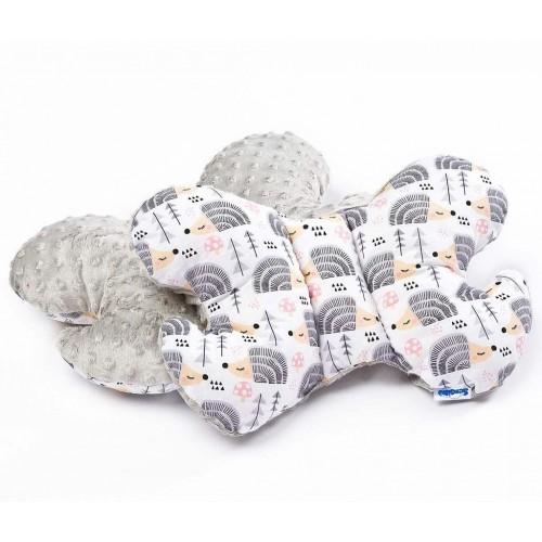 Polštářek Motýlek z Minky Sensillo šedí ježci